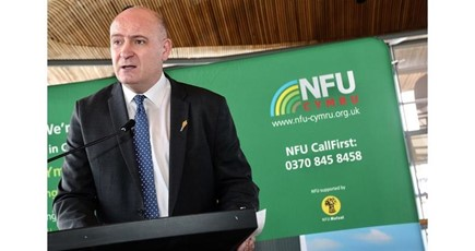 NFU Cymru relieved that eleventh hour agreement avoids a 'No deal' Brexit outcome