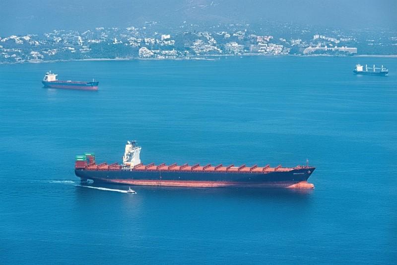 2F1JHN7 Cargo ship in Manzanillo Bay_Colima_Mexico_78535
