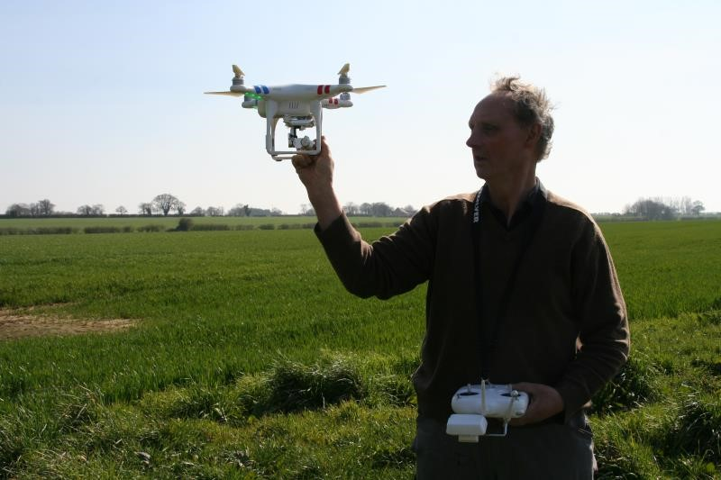 Farmer Chris Eglington and his drone_27888