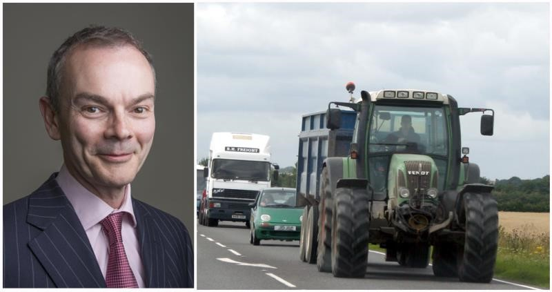 tractor on road, tom price blog, transport_36971