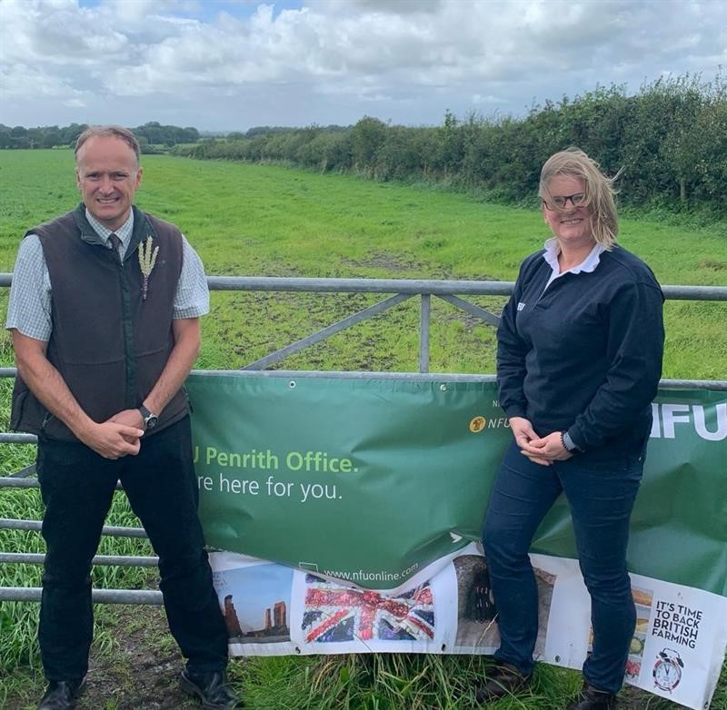 Neil Hudson MP shows his support for farmers