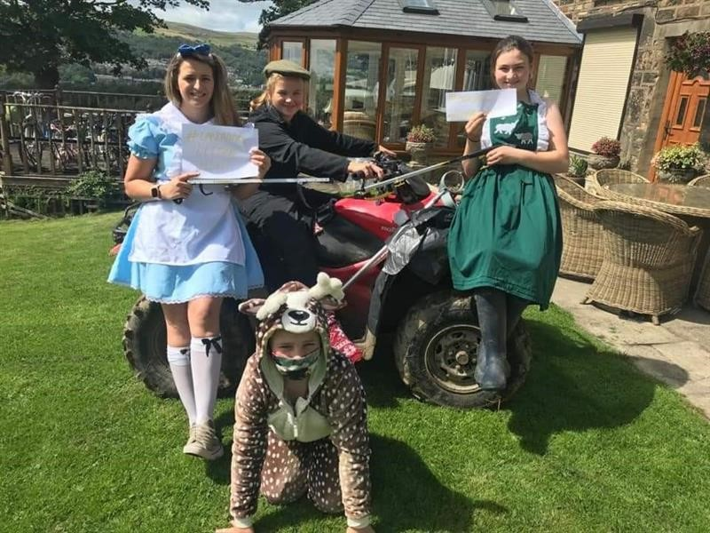 Lancashire Litter Hunt fancy dress winner Sarah Lees and her family from Park Farm in Bury_74896