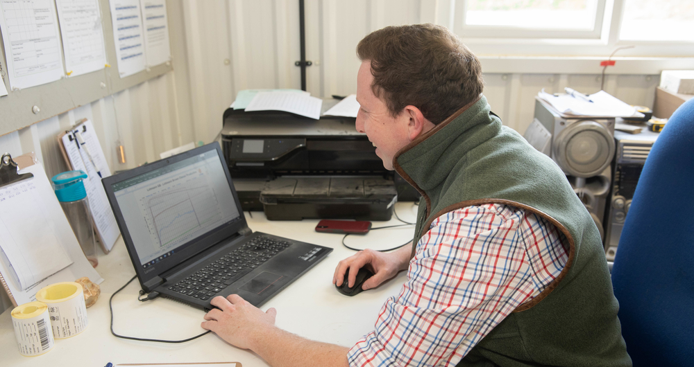 Defra is testing an online capital grant application process: Take part