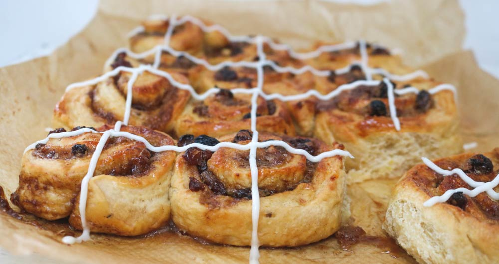 Hot cross cinnamon swirls